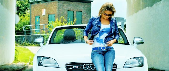 Audi TTS femmefrontaal voor