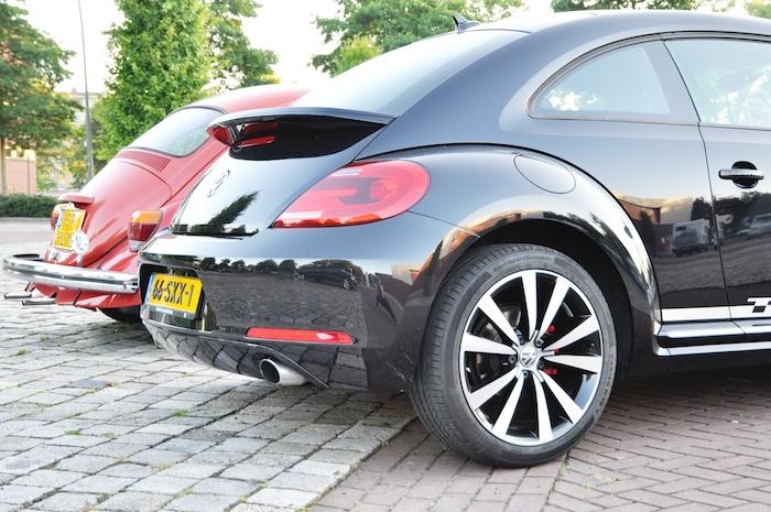 Volkswagen Beetle_femmefrontaal_achterkant