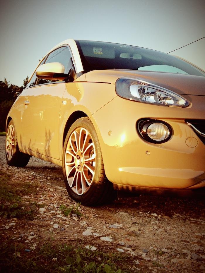 Opel ADAM_femmefrontaal_zijkant