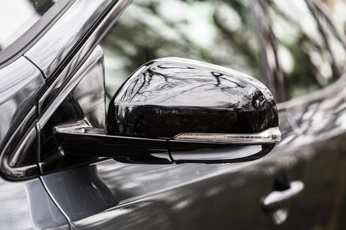 Volvo V40_femmefrontaal_spiegel