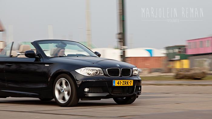 BMW 1 serie cabriolet_femmefrontaal_rijdend