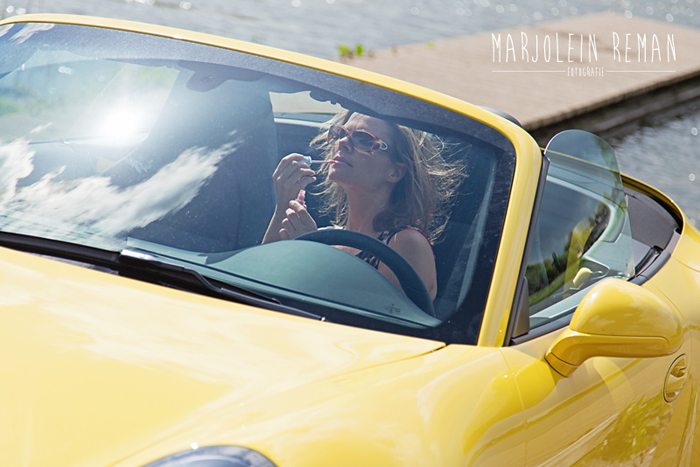 Porsche911_femmefrontaal_lipstick