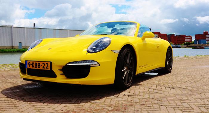 Porsche911_femmefrontaal_voor_