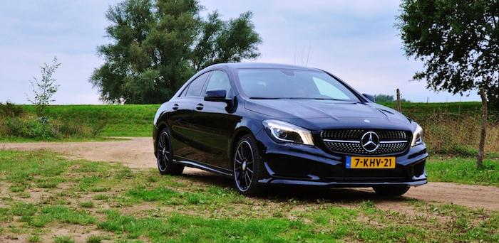 Mercedes-Benz-CLA-femmefrontaal-