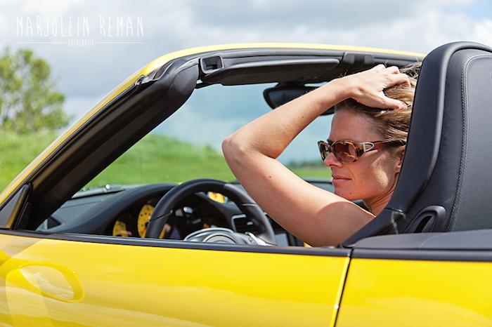 Porsche 911 femmefrontaal