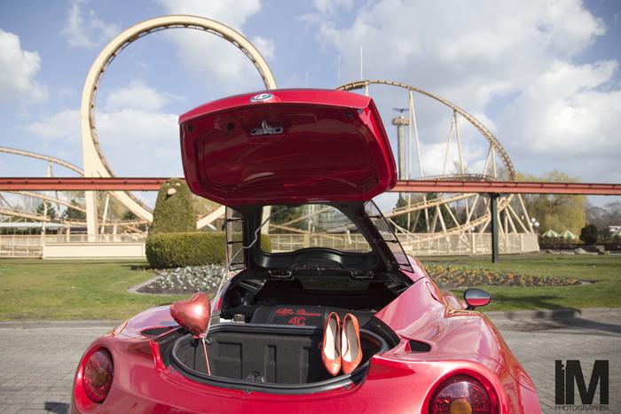 Alfa Romeo 4C_FemmeFrontaal_rollercoaster