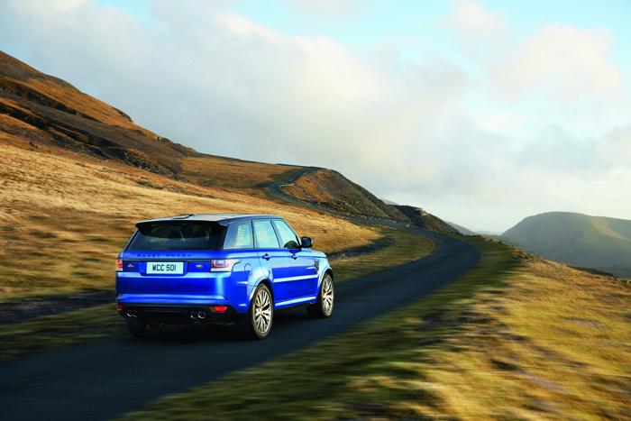 Range Rover Sport SVR_achterkant_femmefrontaal
