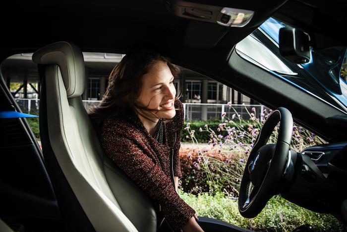 BMW i8_femmefrontaal_martine