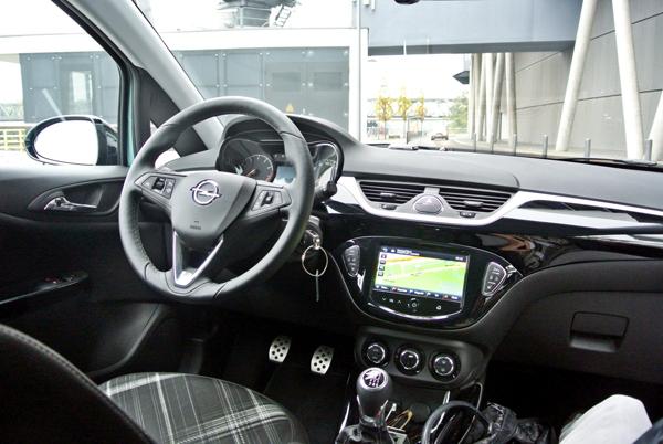 Opel Corsa_interieur