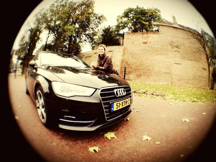 Audi A3_femmefrontaal_birdeye