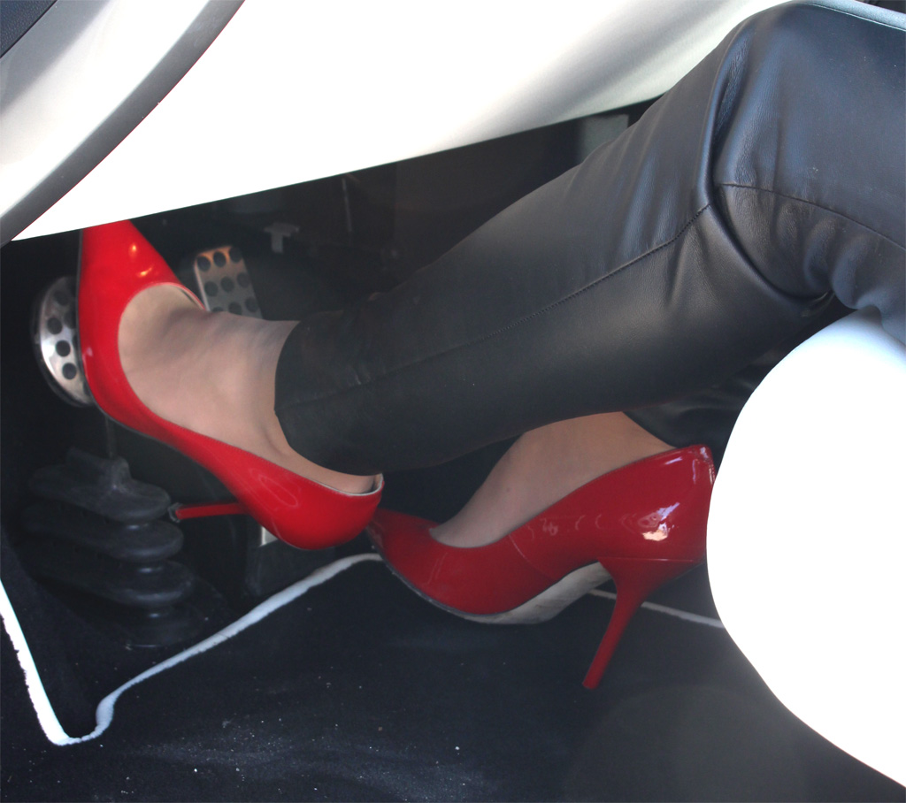 Pumps en pedalen - FemmeFrontaal