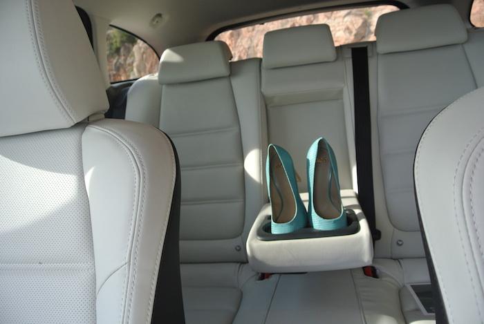 Mazda6-achterbank-femmefrontaal