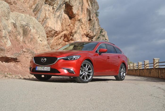 Mazda6-enprofile-femmefrontaal