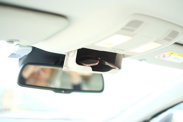 Mazda6-zonnebril-femmefrontaal
