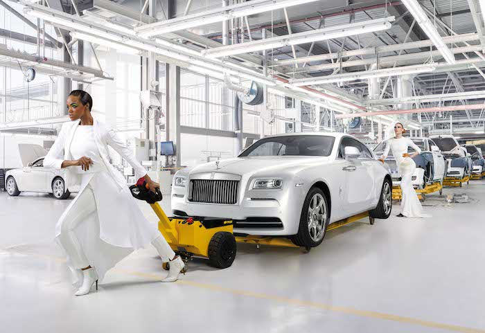 Rolls-Royce-Wraith-by-fasion-ladies