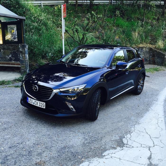 Mazda-cx3-donkerblauw