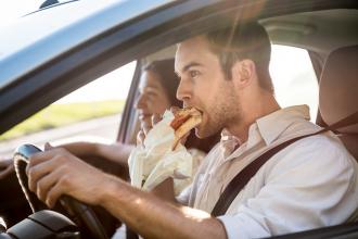 eten en drinken tips voor onderweg - Femme Frontaal