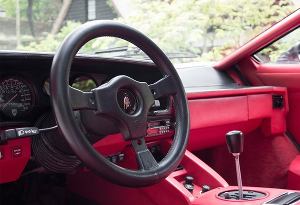 countach-interieur