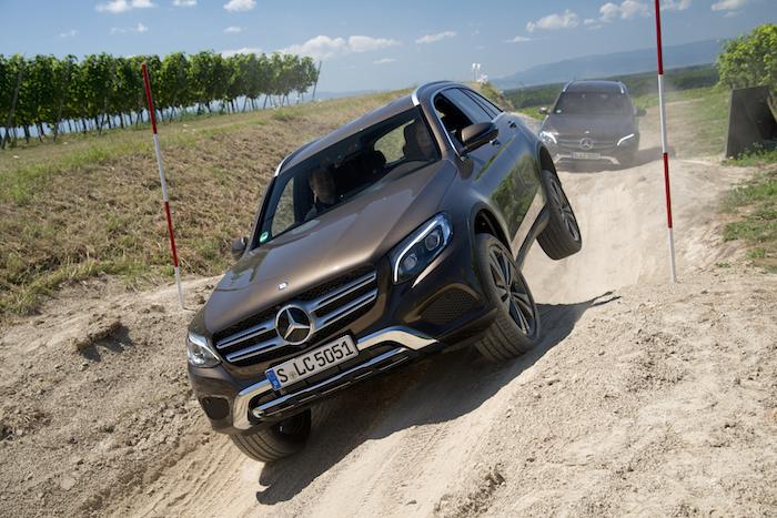 Mercedes-Benz-GLC-offroad