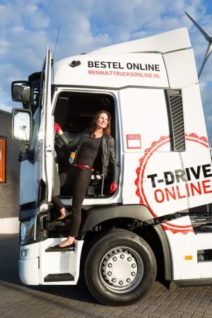 26-9 Eline de Vries Renault Trucks-0165