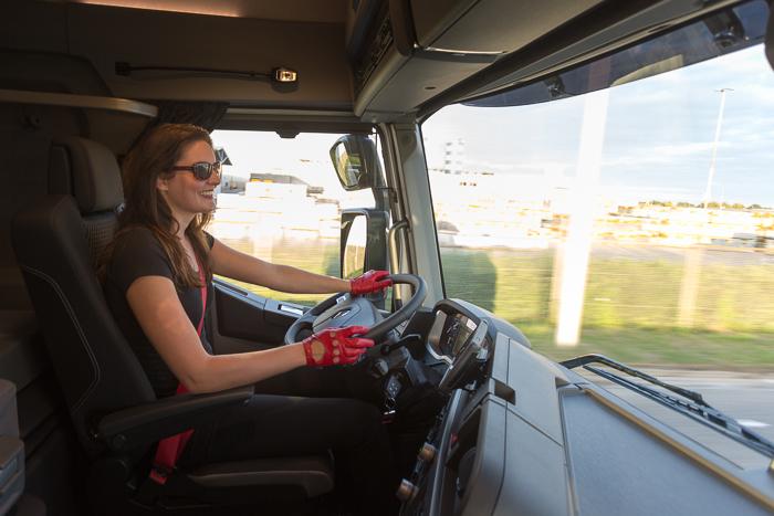 26-9 Eline de Vries Renault Trucks-0281