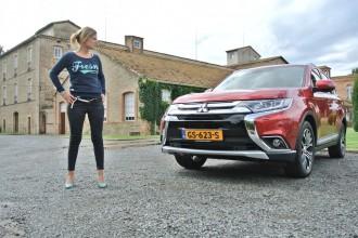 Mitsubishi-outlander-phev-femmefrontaal