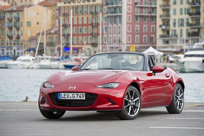 nieuwe-Mazda-MX5-rood-voor. Women's World Car of the Year
