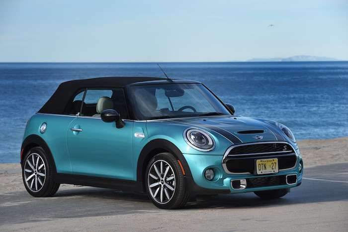 New MINI cabrio roof closed