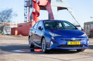 Toyota Prius: Ga je voor flirt factor of voor value for money?