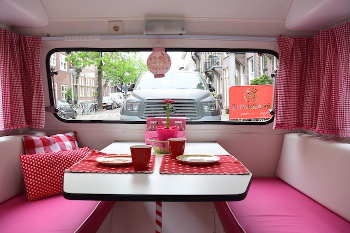 http://femmefrontaal.nl/wp-content/uploads/2016/05/Caravan-pimpen-interieur.jpg
