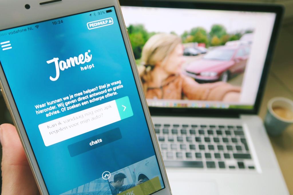 James helpt