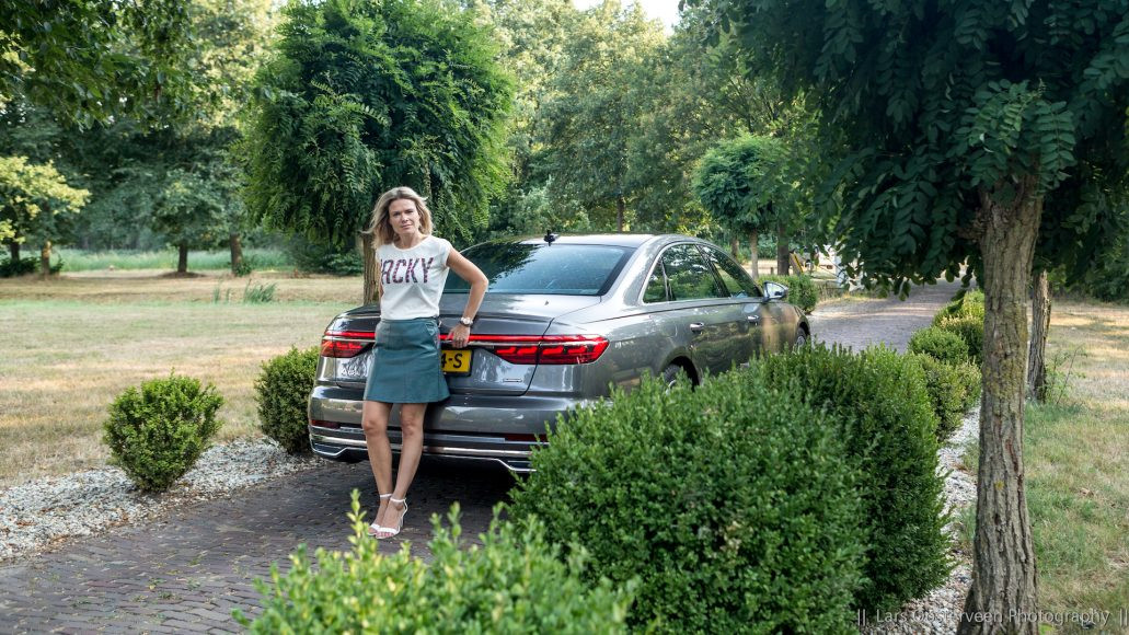 Audi A8L-FemmeFrontaal-2