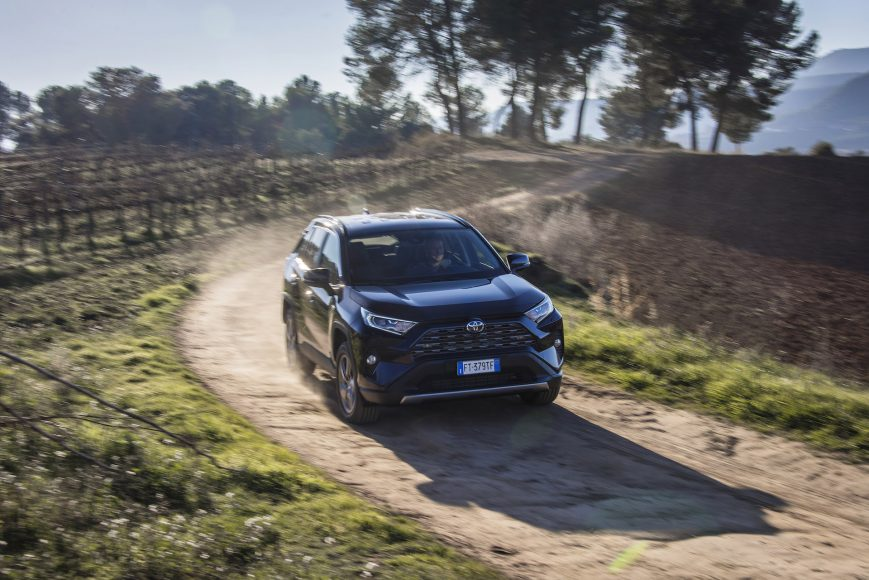 04-Nieuwe-Toyota-RAV4-kent-vliegende-start