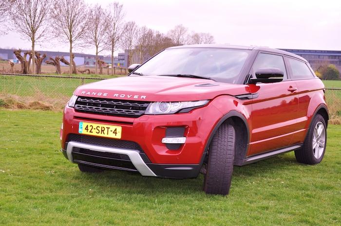 Range Rover Evoque-femmefrontaal-heel