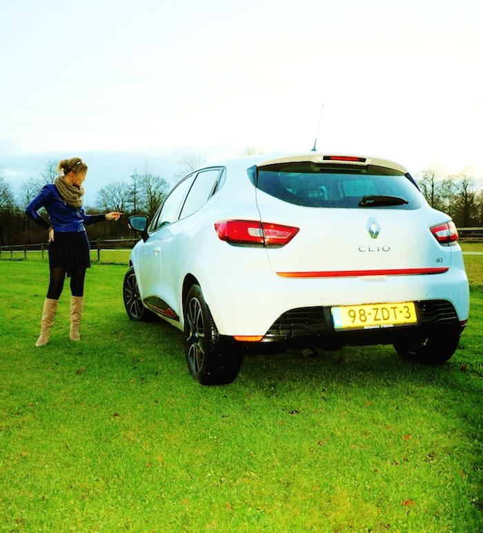 Renault Clio_femmefrontaal_achterkant