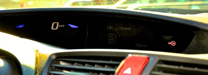 Honda Civic_femmefrontaal_dash
