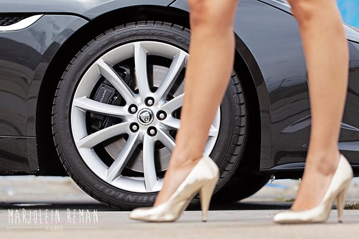 JaguarFType_femmefrontaal_wielen