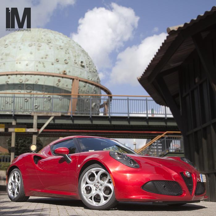 Alfa Romeo 4C_FemmeFrontaal_