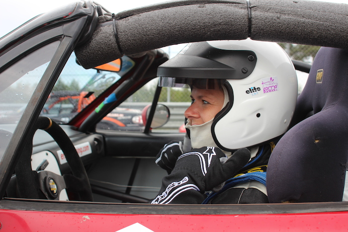 Mazda MaX5Cup_femmefrontaal_raceauto