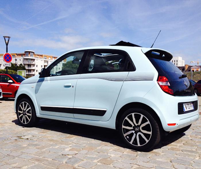 Renault Twingo_femmefrontaal_blauw