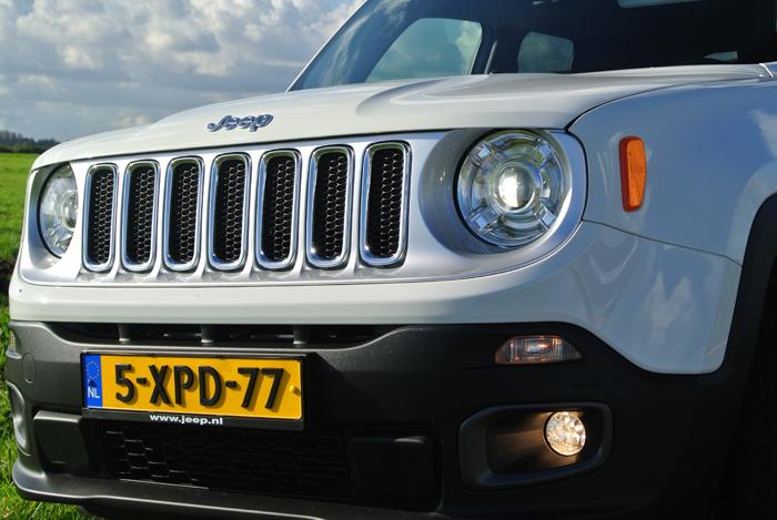 JeepRenegade_femmefrontaal_voor