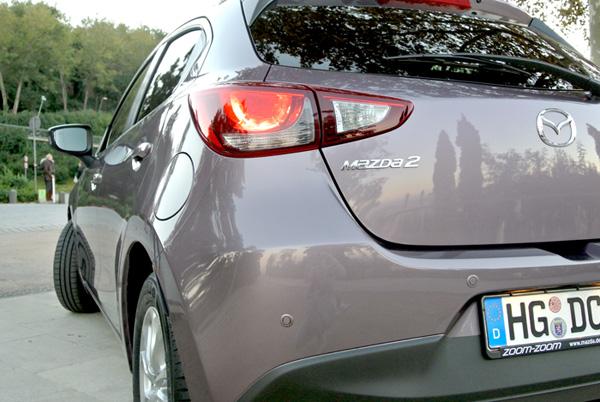 Mazda2_smokey_achterkant