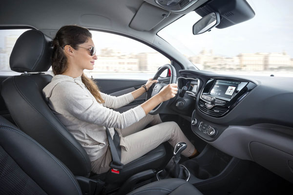 Nieuwe-Opel-KARL_interieur